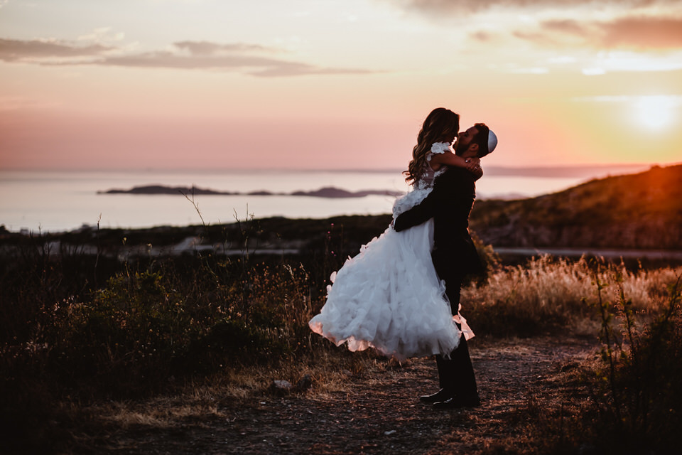 photo de mariés au couché de soleil à toulon