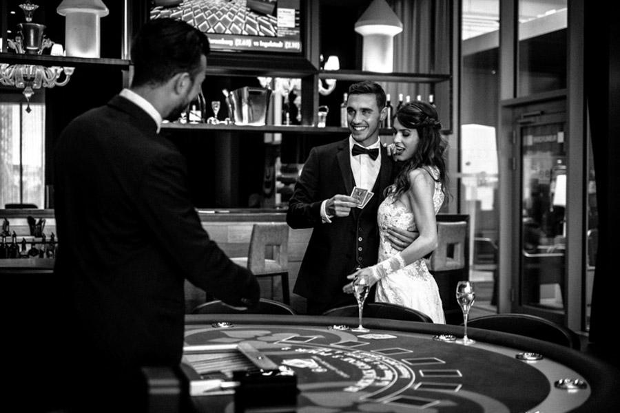 photo de marié au casino à antibes